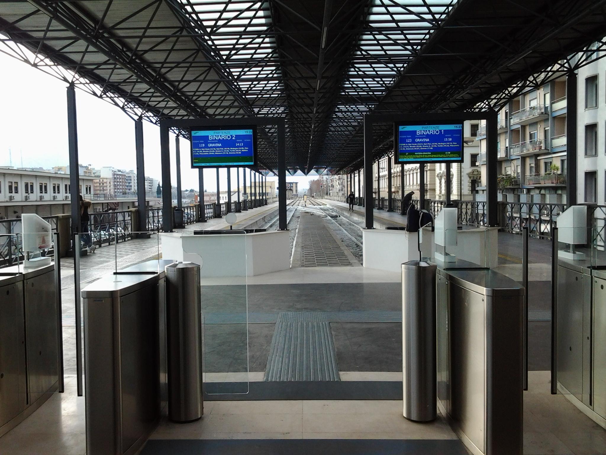 Aeroporto Bari : Vendita appartamento bari trilocale in str nuovo quinto